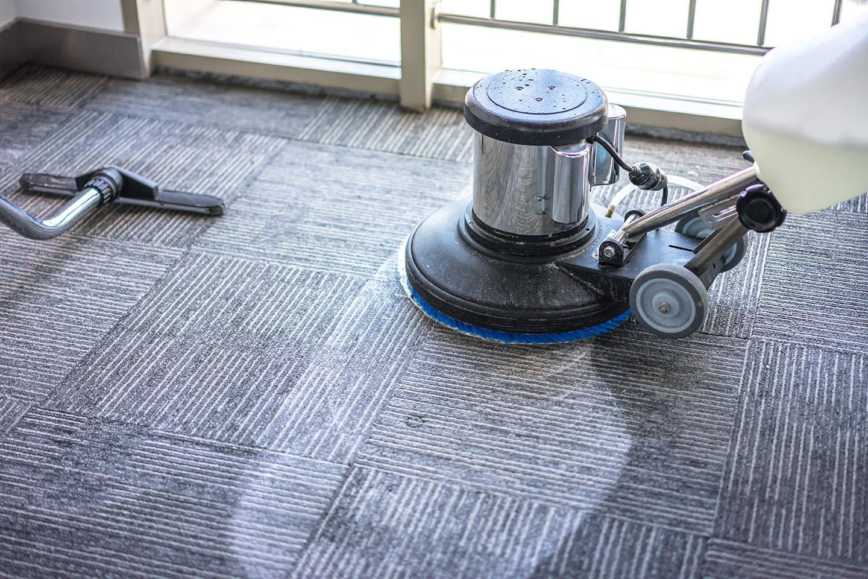 Procédé de nettoyage de tapis commercial